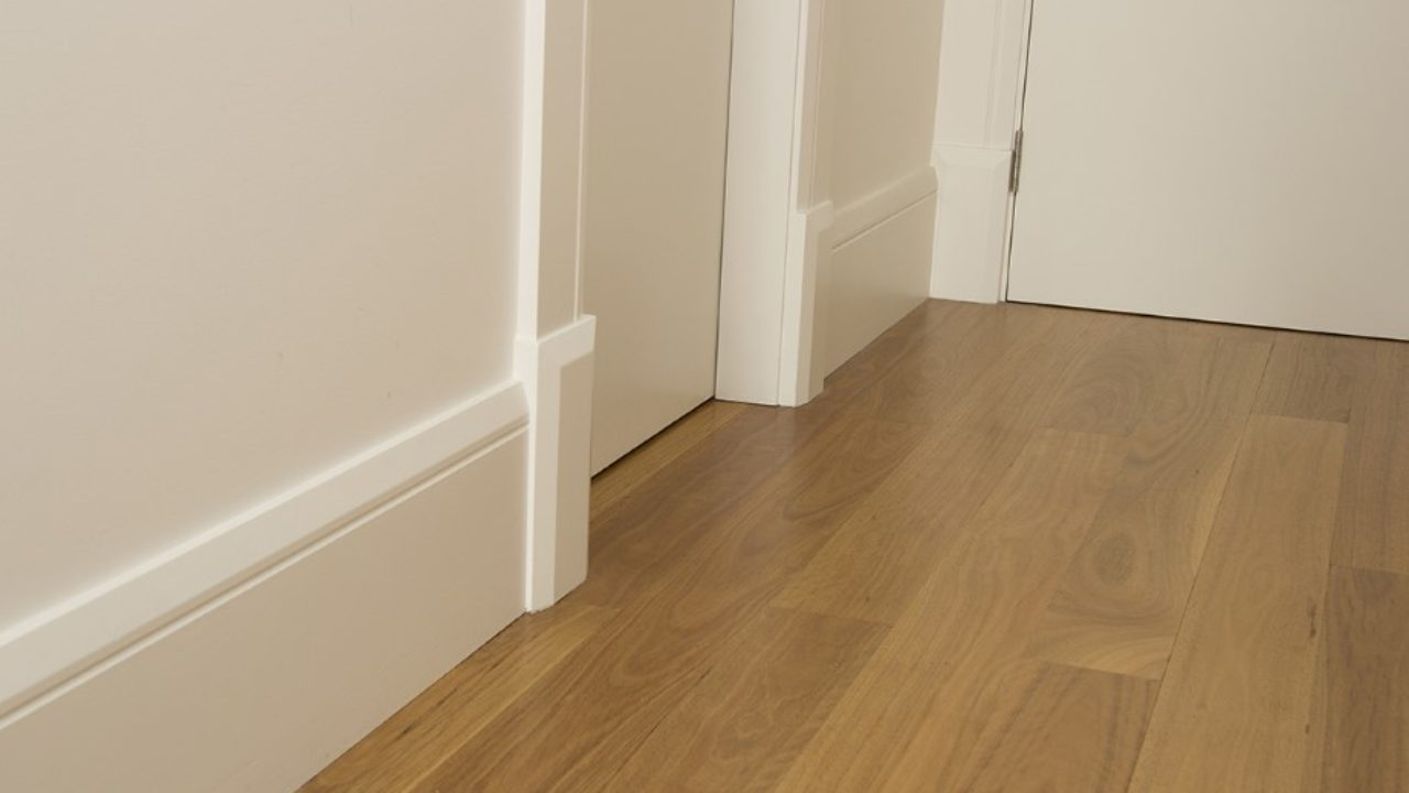 Pick a trendy and suitable skirting board for your home